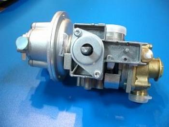 - 951 Armatura wodno-gazowa GW50A